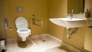 Wheelchair-Accessible-Bathroom